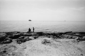 Sous les rives houleuses de la mer caspienne